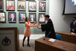 Successful PhD defense Sarah van Riel